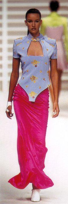 Susan Holmes Rifat Ozbek S/S 1995 Rifat Ozbek, Susan Holmes, Old School, Fashion Inspiration, Ready To Wear, Runway, Sari, Models, Nice