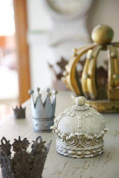 decorative crowns.....would be precious for a princess room