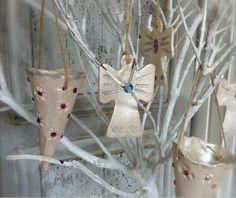Julepynt i keramik og andre julerier fra Lea Peters