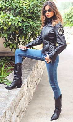Black Leather Boots, Leather Pants, Bike Leathers, Biker Chic, Motorcycle Outfit, Sexy Jeans, Cowgirls, Brunettes, Cowboy Boots