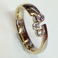 Wedding ring turned into a new ring with three brilliants. The engraving has been retained. Gems Jewelry, Jewellery, Wedding Bands, Wedding Ring, Ring Designs, Gold Rings, Jewelry Design, Sparkle, Rose Gold