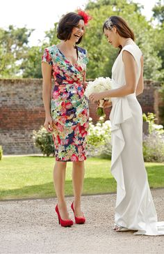 Gorgeous outfits for your female guests #bride #guest #floral #bright