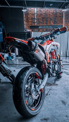 Trail Motorcycle, Motorcross Bike, Motocross, Kawasaki Motorcycles, Cars Motorcycles, Fitness Motivation Tumblr, Ktm Supermoto, Motorcycle Wallpaper, Jeep Cars
