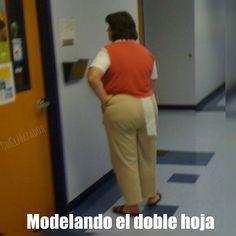 Para que digan que usa papel del suavecito.    #MiércolesGabán #Papel #Baño #Trono #ElSalvador #SrElMatador