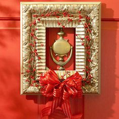 What a great idea for those unused picture frames that we all have sitting around.  Brilliant!