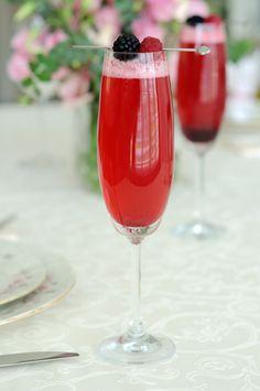 The Chew: Mistletoe Bellini Recipe & Clinton's Minter Wonderland Drink