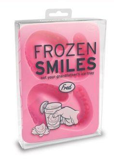 Frozen Smiles - Gebiss-Eiswürfelform von clubtrend, http://www.amazon.de/dp/B0033W3EBY/ref=cm_sw_r_pi_dp_y2wxrb0KQCB34