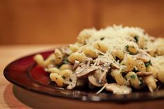 Make and share this Spinach & Mushroom Pasta recipe from Genius Kitchen. Spinach Mushroom Pasta, Spinach Stuffed Mushrooms, Stuffed Peppers, Mushroom Sauce, Spinach Noodles, Canned Mushrooms, Shirataki Noodles, Sauteed Spinach, Pastries
