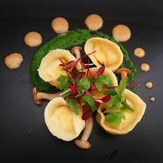 Ricotta & Parmesan Tortellini with Truffle Sauce, Spinach Puree & Mushrooms Truffle Sauce, Date Dinner, Tortellini, Ricotta, Truffles, Parmesan, Spinach, Stuffed Mushrooms, Salt