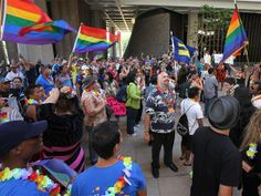 Hawaii legalizes same-sex marriage, joining 14 other states (Photo: Hugh Gentry / Reuters)