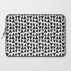 Black&White Triangles Laptop Sleeve
