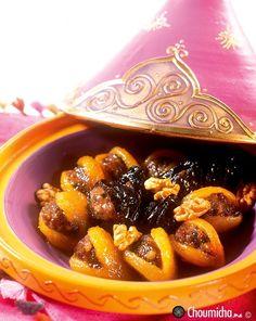 Abricots et pruneaux farcis à la viande hachée et aux noix