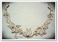 Cleo-design drótékszerek Wire Jewelry, Pendant Jewelry, Art Necklaces, Wire Art, Jewelry Making, Bling, Bracelets, Beauty, Design