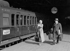 Op reis met de trein / Traveling by train