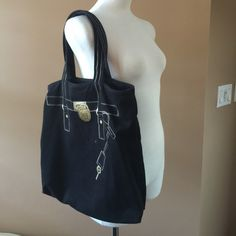 6c4ca9f1551e 💥💥Michael Kors black canvas tote bag. Michael Kors black canvas tote bag.