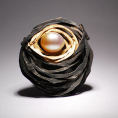 Brooch with Pearl - by Heike Dotzel