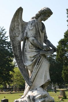 angel marker in Elmwood Cemetery Columbia, SC