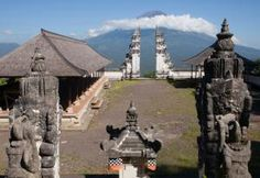 Going to Bali? Don't Miss These 10 Temples: Pura Luhur Lempuyang