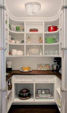35 Clever ideas to help organize your kitchen pantry