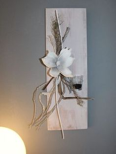 Many people believe that there is a magical formula for home decoration. You do things… Sand Crafts, Diy And Crafts, Diy Wall Art, Wall Decor, Christmas Diy, Christmas Decorations, Barn Wood Crafts, Deco Nature, Modern Flower Arrangements