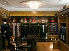 Traditional Boutiques: Rosa & Teixeira. Popular boutique known for its mastery of tailored men's clothing that boasts a stellar line up of designer names.