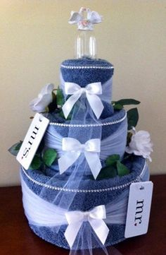 How to Make a Wedding Towel Cake from Thinkwedding.com!