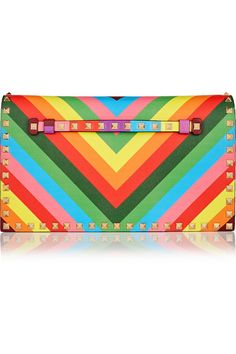 Next Level! VALENTINO The Rockstud printed leather clutch
