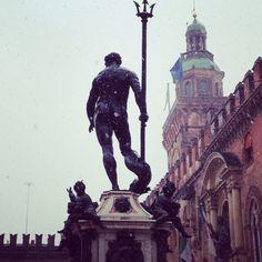 Il Gigante e la neve, Bologna - Instagram by gizelalahi