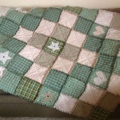 Written Rag Quilt Instructions and a chart showing how many squares needed to make quilts for different bed sizes. Very handy!