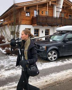 Ski Fashion, Winter Fashion, Fashion Trends, Ski Season, Insta Pictures, Sporty Girls, Snow Skiing, Bronze, Cold Day
