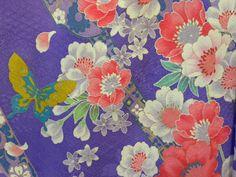 Kimono traditional pattern. 江戸紫色の花柄