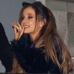 Ariana grande / #arianagrande #instagram #ari #dwt #hmt #dangerouswomantour #honeymoontour #myeverything #yourstruly #agb #grande #pin