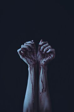 scary pretty death blood Black and White creepy horror arms hands. Writing Inspiration, Character Inspiration, Story Inspiration, Blood Mage, Yennefer Of Vengerberg, Dark Photography, Woman Photography, Photography Ideas, Dark Art