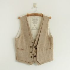 new Womenswear autumn ~ Han Sen women small fresh retro-mosaic color buckle loose wild vest Holiday Outfits, Holiday Clothes, Great Hairstyles, British Style, Women's Vests, Fashion Vest, Women Wear, Girly, Cuddles