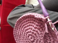 Fotonávod na háčkovaný košík z příze Biskvit s kulatým dnem Merino Wool Blanket, Diy And Crafts, Knits, Dots