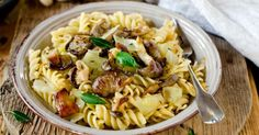 Recette de Poêlée de pâtes légère au chou et aux champignons. Facile et rapide à réaliser, goûteuse et diététique.