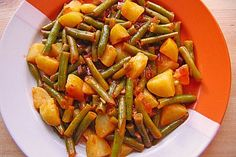 Green beans with potatoes, a refined recipe from the cooking category. Vegetable Soup Healthy, Healthy Vegetables, Veggies, Beef Recipes, Vegetarian Recipes, Cooking Recipes, Benefits Of Potatoes, Green Beans And Potatoes, Green Bean Recipes