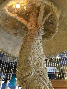 Beautiful Textile tree I came across, Shimokitazawa, Tokyo. Shimokitazawa, Art Courses, Wood Art, Fiber Art, Tokyo, The Neighbourhood, Lion Sculpture, Textiles, Statue