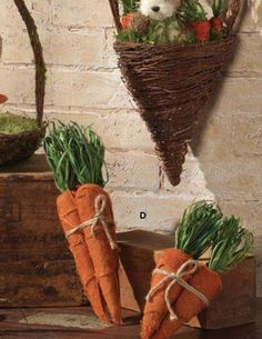 Burlap carrot bundles from RAZ - will be available in two sizes at Trendy Tree!  http://www.trendytree.com/raz-9-burlap-carrot-bundle.html