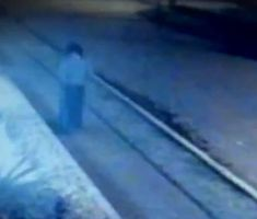 Woman Disappears in the Air (video) http://thehorrormoviesblog.com/2015/07/29/woman-dissapears-in-the-air-video/ #ghost