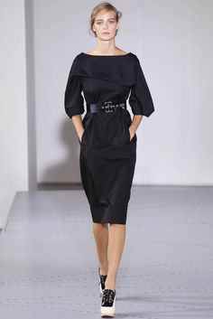 jil sander spring 2014 petite robe noireminimalistestylismemode