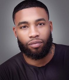 Sharing photos of black men to combat the erasure in the beard movement. Fine Black Men, Gorgeous Black Men, Handsome Black Men, Fine Men, Beautiful Men, Handsome Man, Black Man, Dead Gorgeous, Black Men Beards