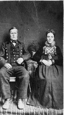 Norwegian woman and husband (? Arctic Circle, California Love, Bridal Crown, Lofoten, Folk Costume, Antique Photos, Old Pictures, Traditional Dresses, Photo Cards