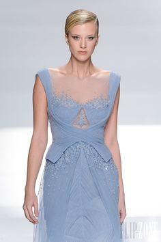 Tony Ward - Couture - Spring-summer 2013 - http://en.flip-zone.com/fashion/couture-1/independant-designers/tony-ward - ©PixelFormula