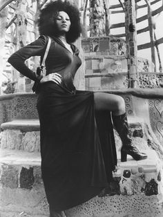 Pam Grier in Hit Man Sexy .but not as much as in Foxy Brown Vintage Black Glamour, Retro Vintage, Black Actresses, 50s Actresses, Female Actresses, Linda Evangelista, Look At You, Looks Style, Up Girl