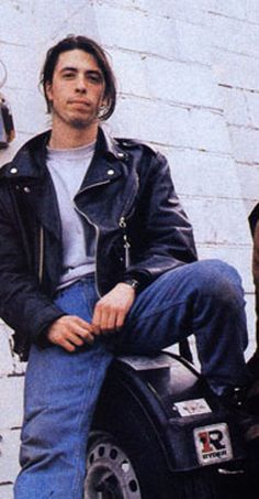 a young dave grohl, oh my god!