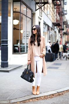 Winter White Street Style Looks With White Jeans for Winter