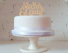 Fini les bonhommes en plastique sur les gâteaux de mariage!
