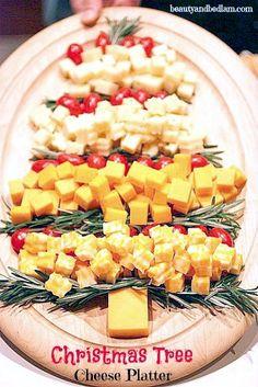 Lots of Festive Christmas Food Ideas - Christmas Tree Cheese Platters Christmas Goodies, Christmas Treats, Holiday Treats, Christmas Fun, Holiday Recipes, Christmas Cheese, Holiday Parties, Thanksgiving Holiday, Christmas Potluck