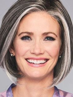 Medium Bob Hairstyles, Hairstyles Haircuts, Gray Hair Highlights, Curly Hair Styles, Natural Hair Styles, Line Bob Haircut, Bobs For Thin Hair, Long Wigs, Synthetic Lace Front Wigs